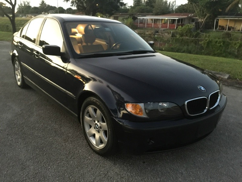 2004 BMW 3 Series 325i 4dr Sdn