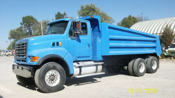 2005 Sterling Trucks LT9500