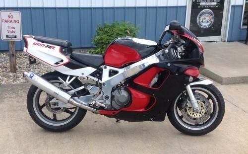 1995 Honda CBR900RR