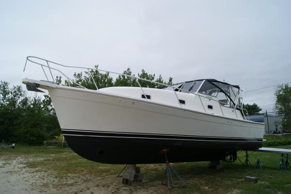 2002 Mainship Pilot 34 Express