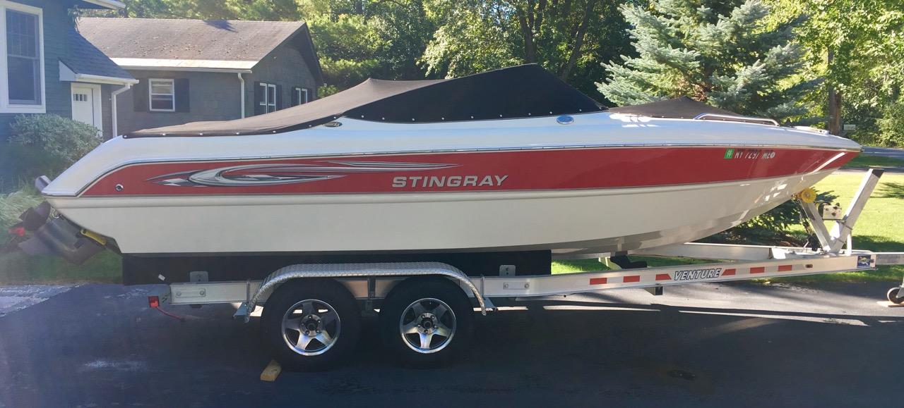 2008 Stingray Boats 220 LX