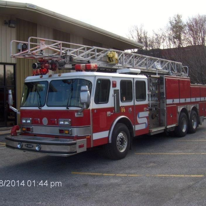 1995 E-One Hurricane Fire Truck