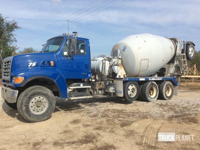 2004 Sterling Lt9500  Mixer Truck