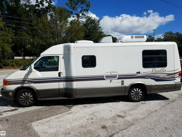 1999 Winnebago RIALTA 22HD