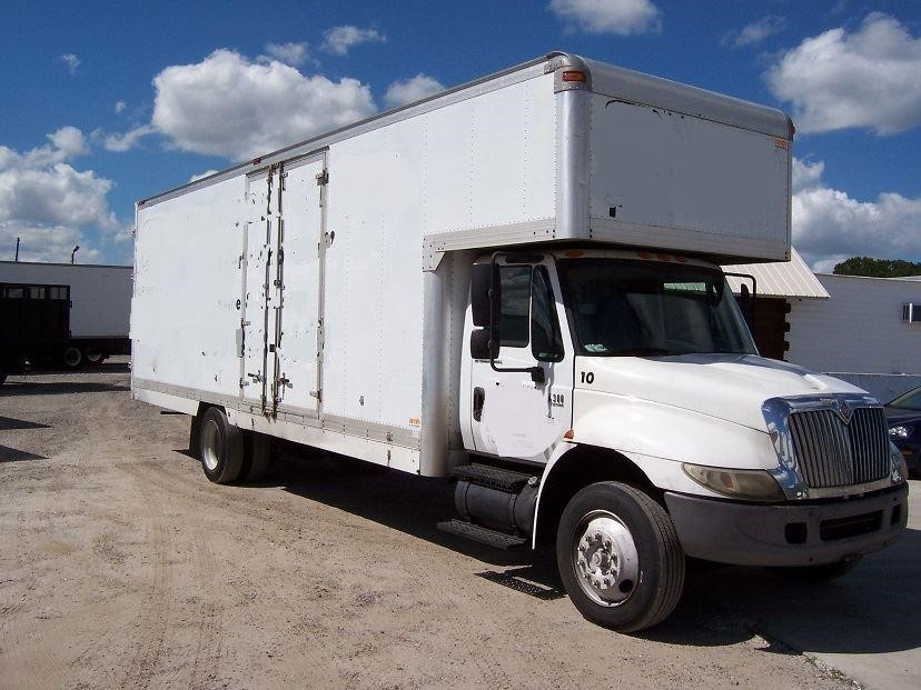 2004 International Durastar 4300 Moving Van
