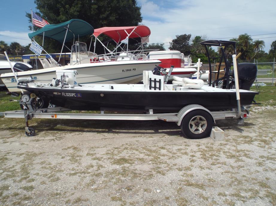 2007 LAKE AND BAY 170 Flats Boat