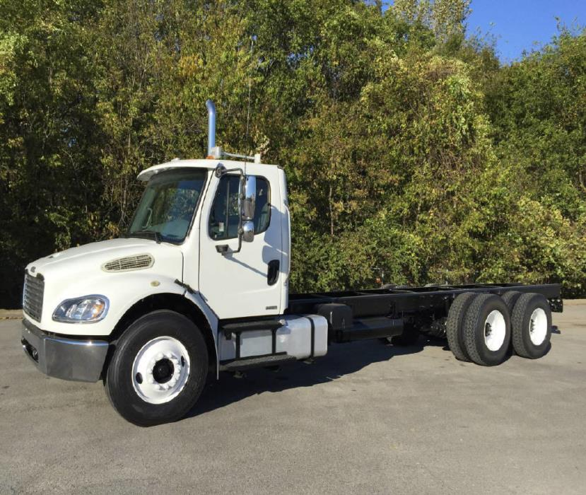 2006 Freightliner M2106  Cab Chassis