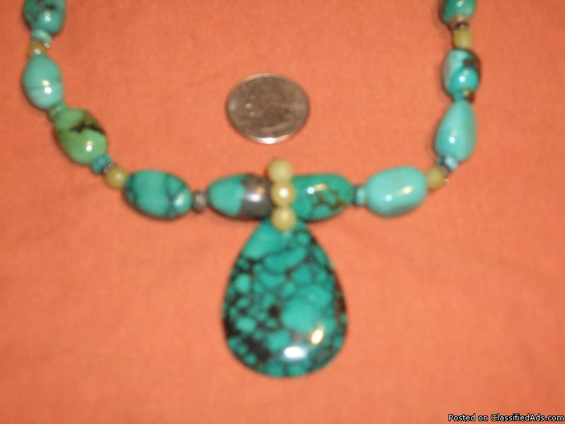 Navaho 14 inch Tourquois Necklace with Drop Stone