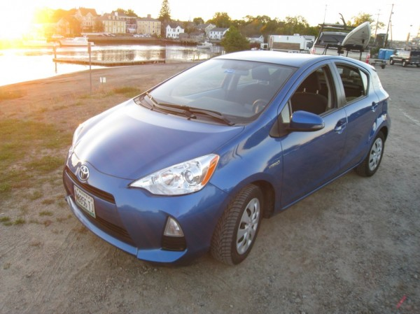 2013 Prius c Two Hybrid Blue with JL Speakers and Nokian Tires 60k $11,500