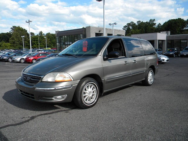 2000 Ford Windstar Wagon 4dr SE