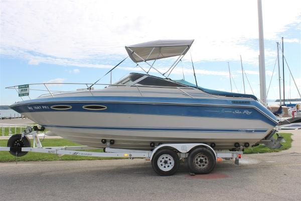 1987 Sea Ray 24 Sorrento