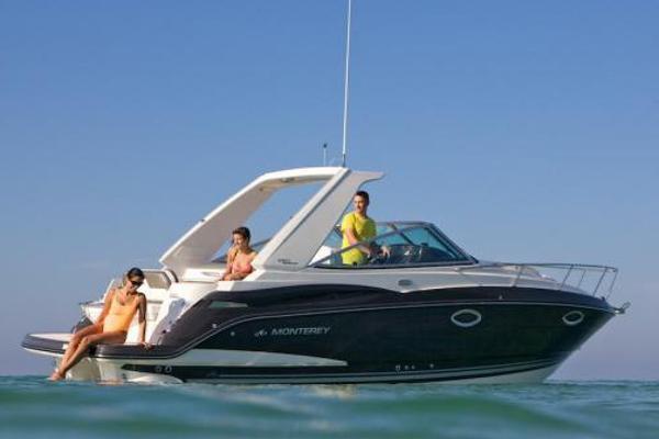 2017 Monterey 275 Sport Yacht