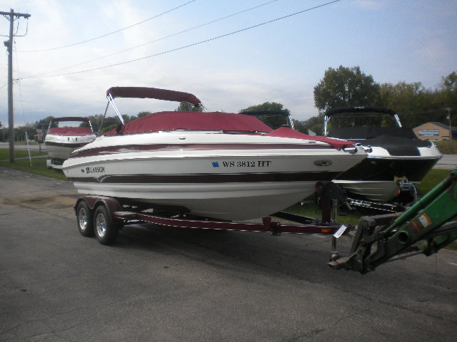 2006 Larson 228LXI