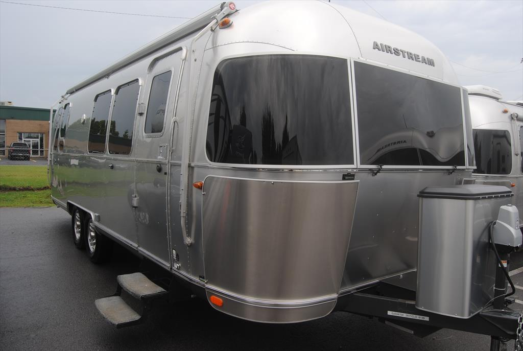 Airstream Flying Cloud 28