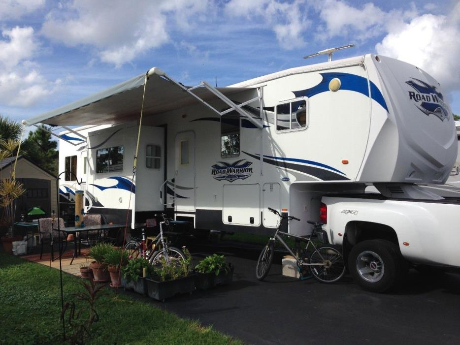 2011 Heartland ROAD WARRIOR 395RW