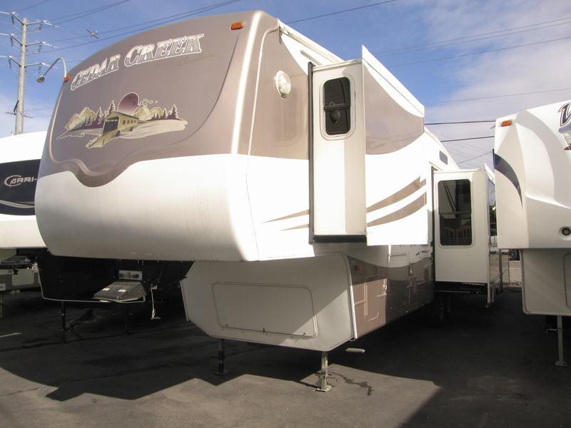 2005 Forest River Cedar Creek 36RL