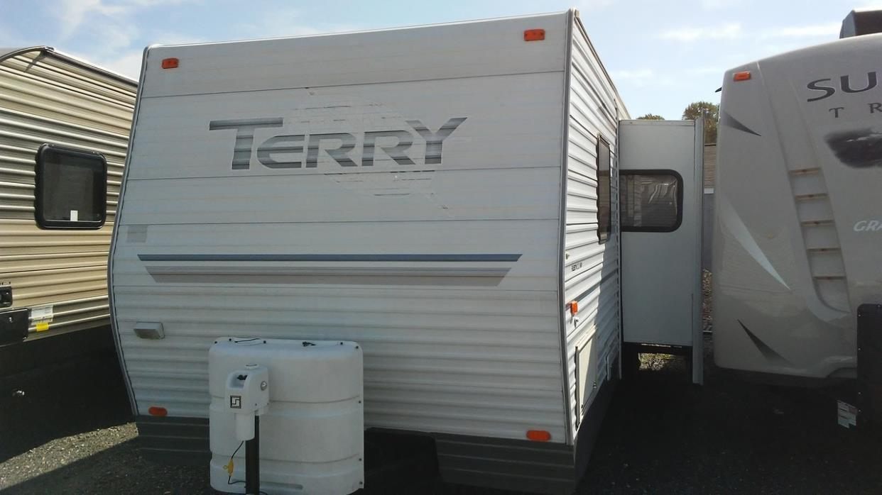 2004 Fleetwood TERRY 300FQ