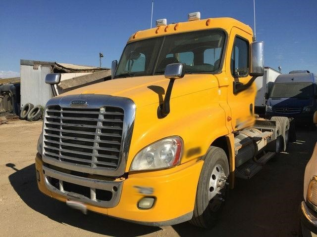 2009 Freightliner Cascadia Cab Chassis