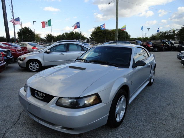 2002 Ford Mustang 2dr Cpe Standard 5 Speed Manual Mint Condition Cold AC