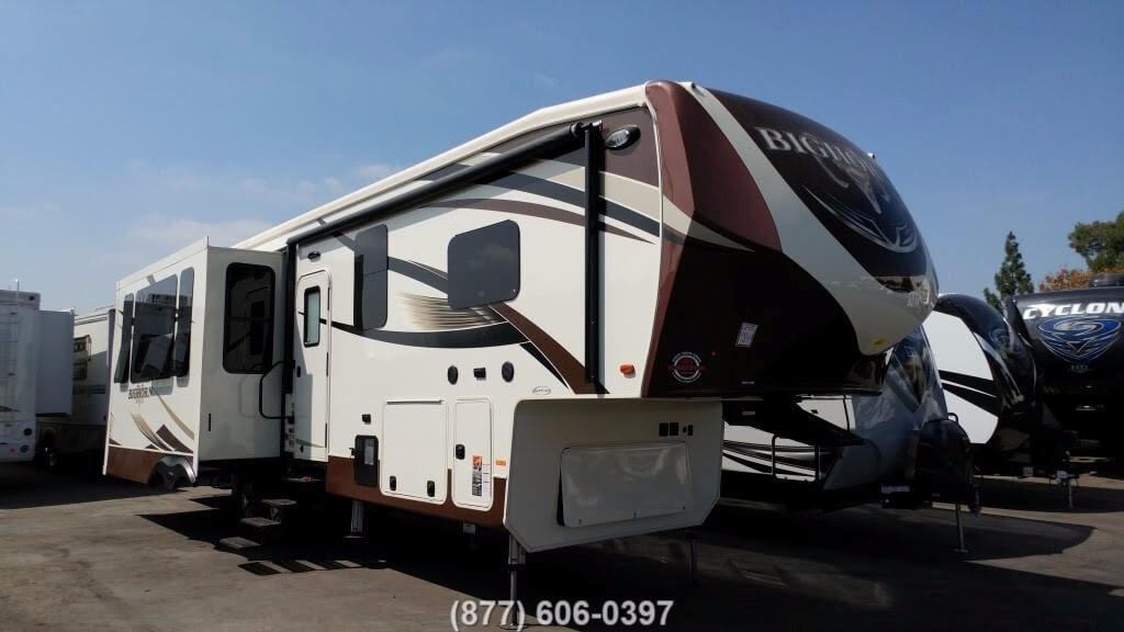 Heartland Bighorn 3160EL