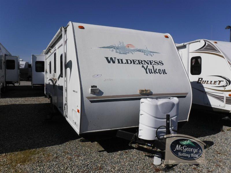 2004 Fleetwood Rv Wilderness Yukon 829S