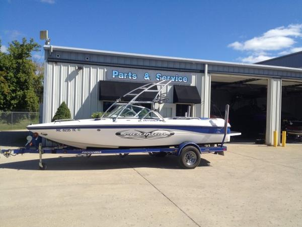 2008 Moomba Outback V Open Bow
