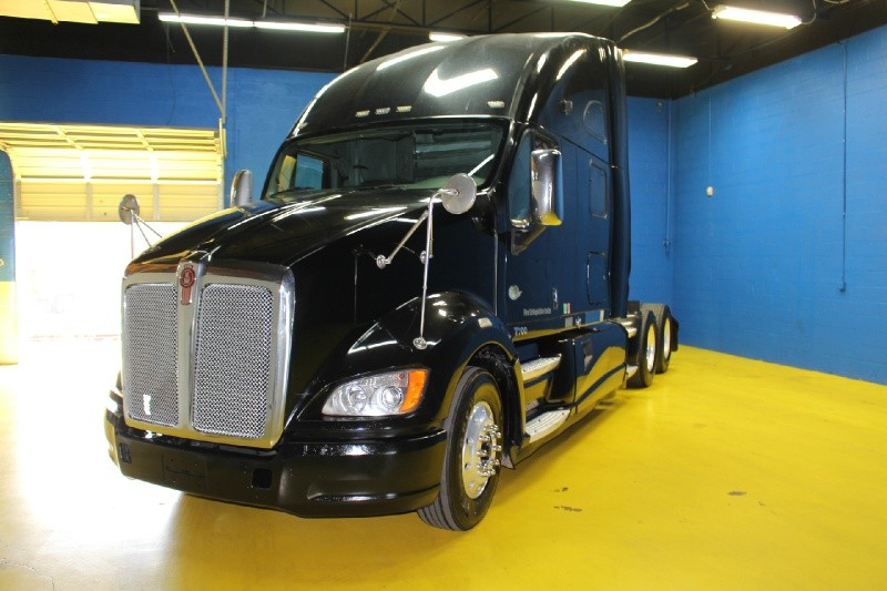 Kenworth T700 75 Sleeper Ultrashift Cars for sale