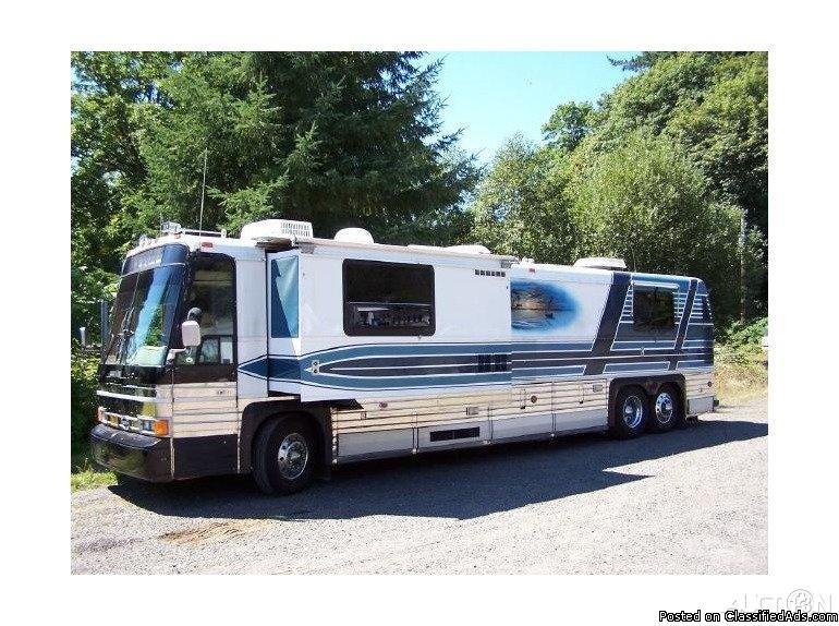1985 MCI Bus Conversion For Sale in Mapleton, Oregon 97453