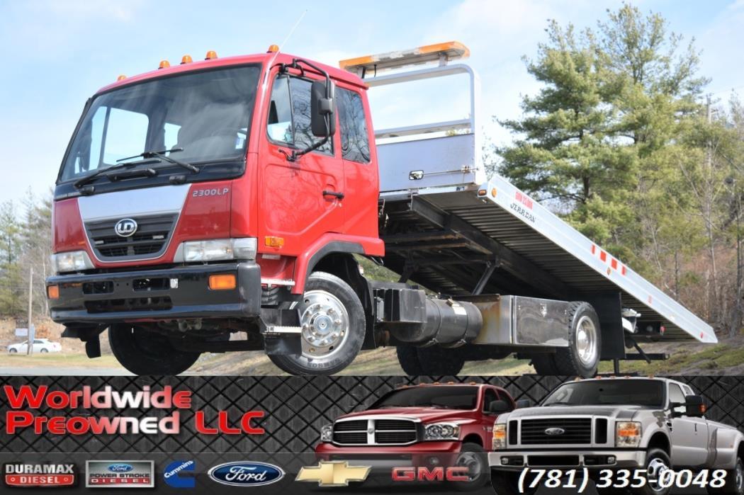 2008 Ud Trucks 2300  Rollback Tow Truck
