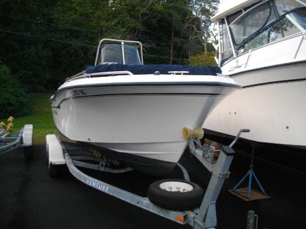2002 Grady White 209 Escape