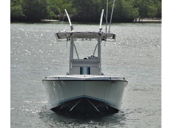 2002 White Water Boats 28 Center Console