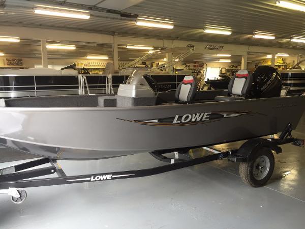 2017 Lowe FM 160 S