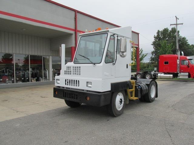 2013 Ottawa T2  Yard Spotter Truck
