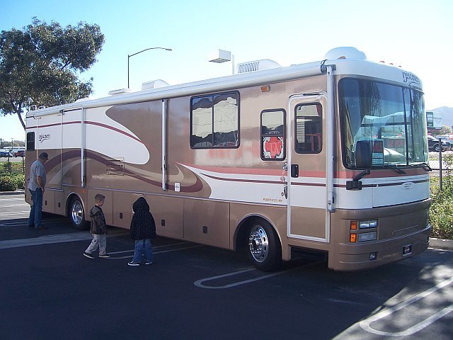 2000 Fleetwood DISCOVERY 37V