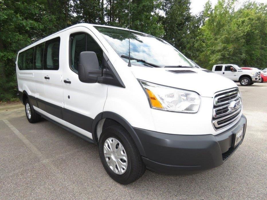 2015 Ford E350 Passenger Van