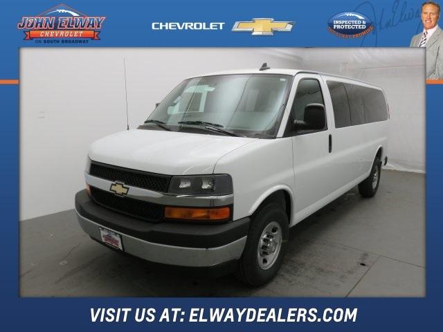 2017 Chevrolet Express 3500 Passenger Van