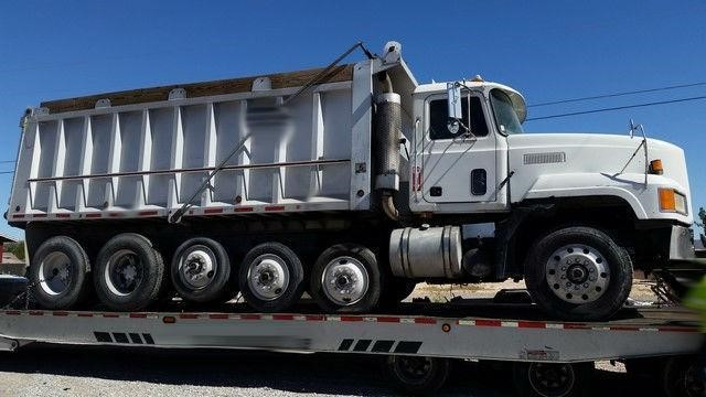 1995 Mack Cl713 Cab Chassis
