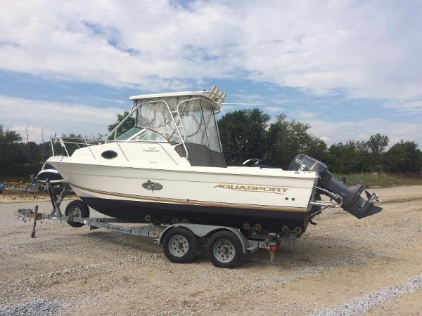 2002 Aquasport 215 Explorer