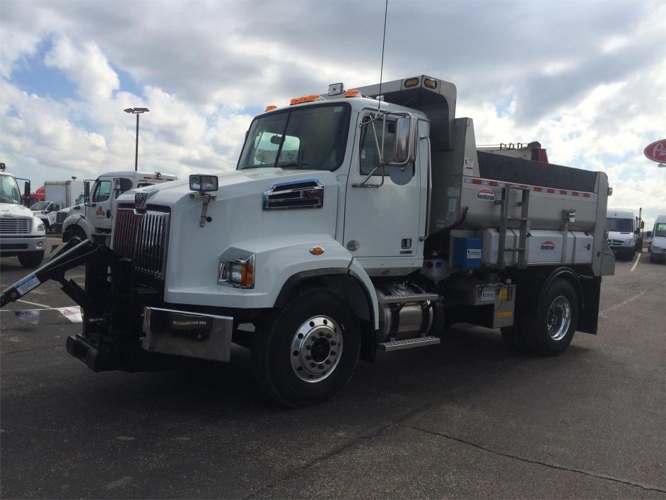 2015 Western Star 4700sb Plow Truck - Spreader Truck