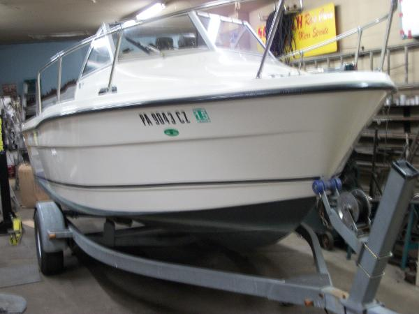 Trophy 1802 Walkaround Boats For Sale