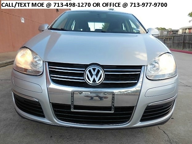 2010 volkswagen jetta sedan sedan cars for sale. Black Bedroom Furniture Sets. Home Design Ideas