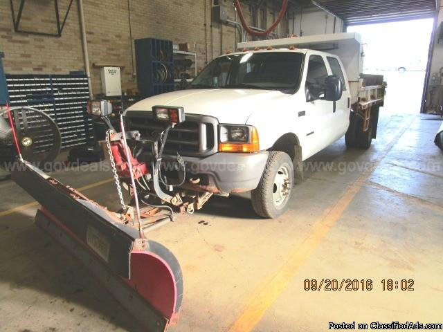 2001 Ford F350XL Dump Truck with Plow