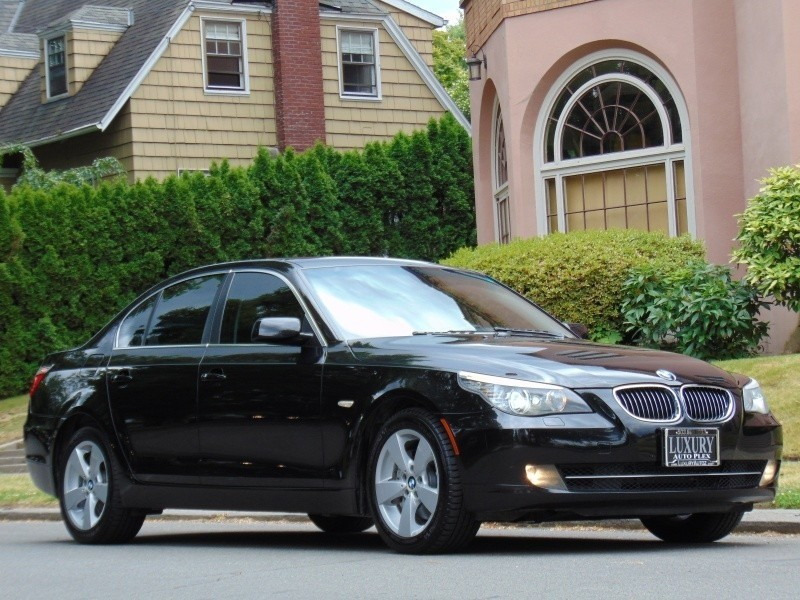 2008 BMW 528XI AWD BLK/BLK NAVIGTION PREMIUM/COLD PKG LOW MILES LOADED