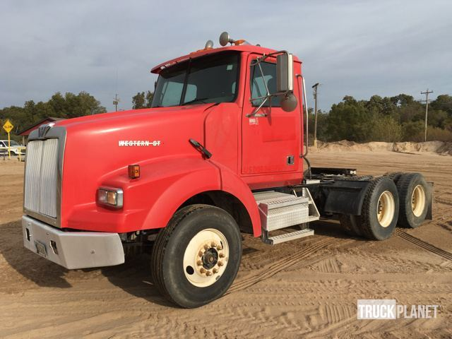 2004 Western Star 4900sa Conventional - Day Cab
