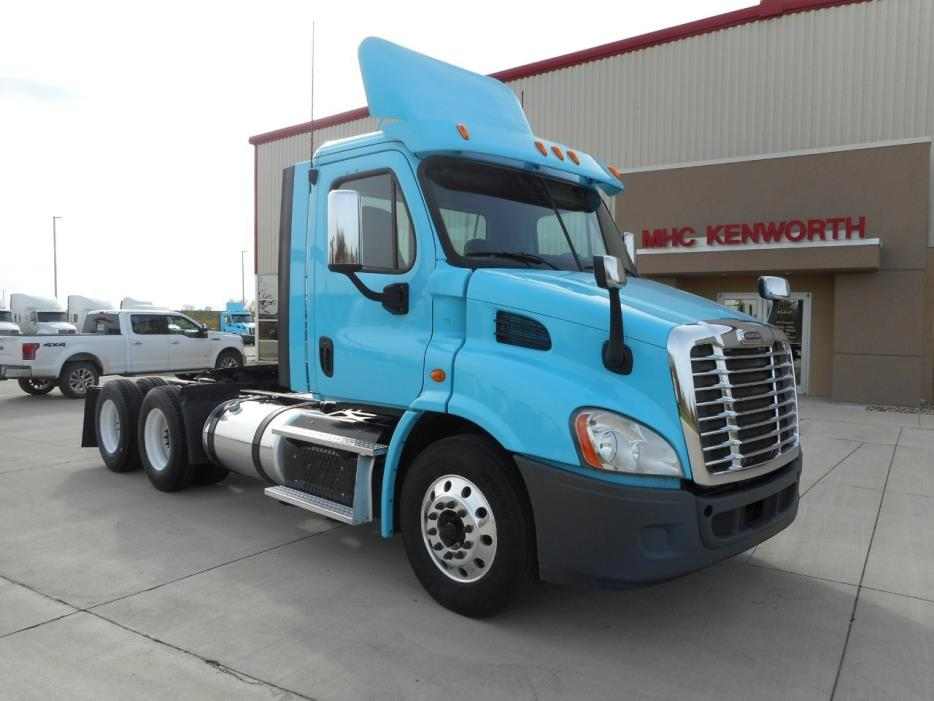 2013 Freightliner Cascadia Ca11364dc Conventional - Day Cab