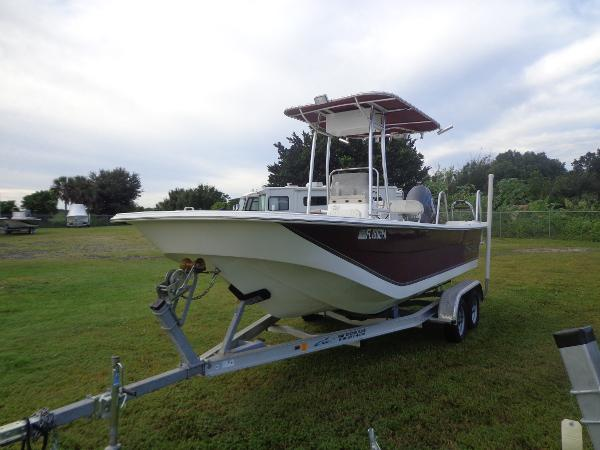 2010 Carolina Skiff DLV198