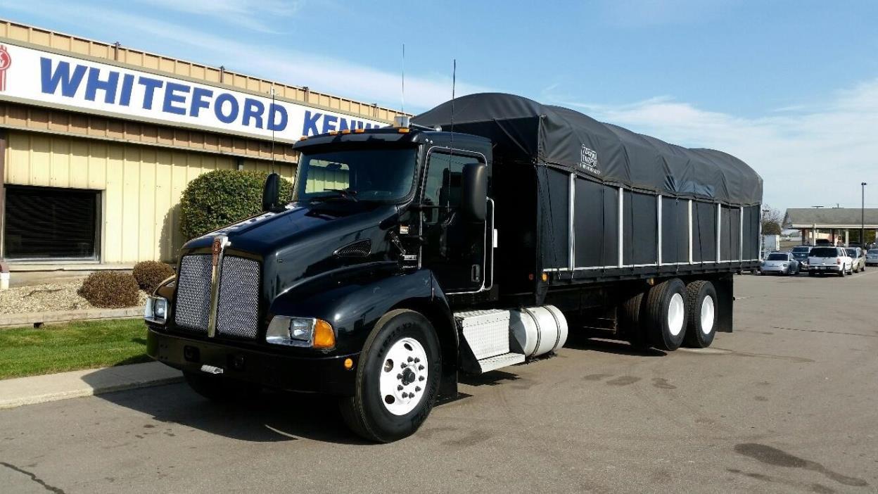 2008 Kenworth T300 Flatbed Truck