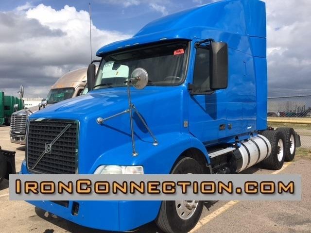 2013 Volvo Vnm64t630 Conventional - Sleeper Truck