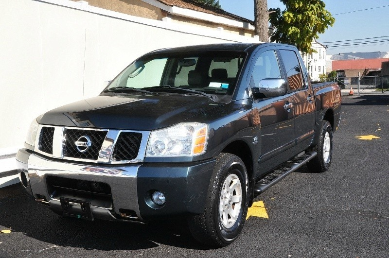 2004 Nissan Titan LE LEATHER TV Crew Cab 4WD