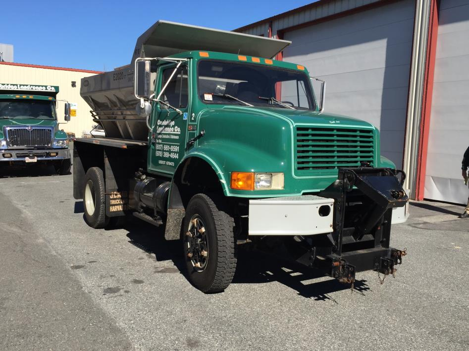 1988 International 1854s  Plow Truck - Spreader Truck